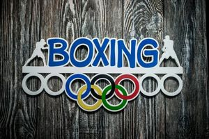 Деревянный держатель для медалей Бокс
